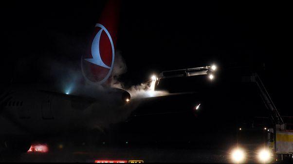 Türk havayollarına ait yolcu uçağı Ukrayna'da pistten çıktı