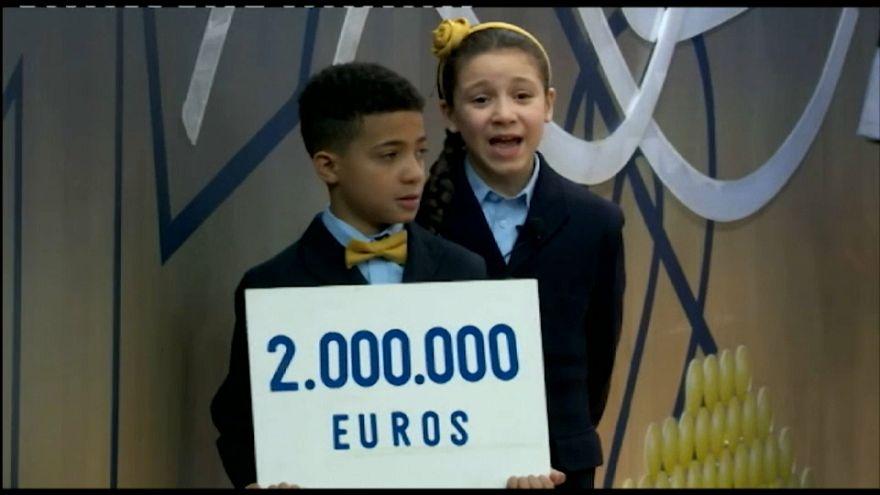 Barcellona in festa per la lotteria del Niño