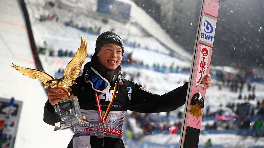 Grand Slam para Ryoyu Kobayashi nos Quatro Trampolins