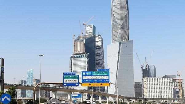 Σ. Αραβία: Οι γυναίκες θα ενημερώνονται με sms για το διαζύγιό τους