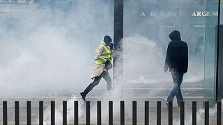 حضور پررنگ «مشتزنان» در تظاهرات جلیقه زردهای فرانسه