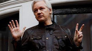 ويكيليكس يطالب الصحفيين بعدم نشر الأكاذيب والشائعات