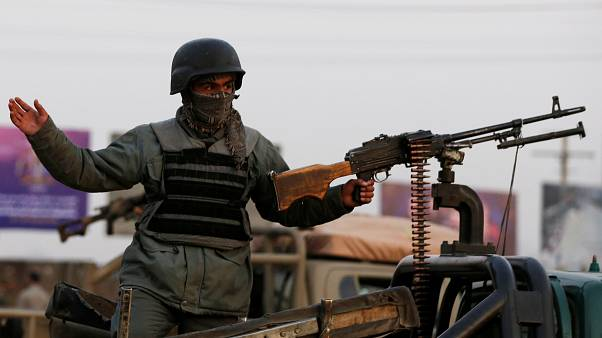 Afganistan'da Taliban saldırısı: 5 sivil 21 güvenlik görevlisi öldü