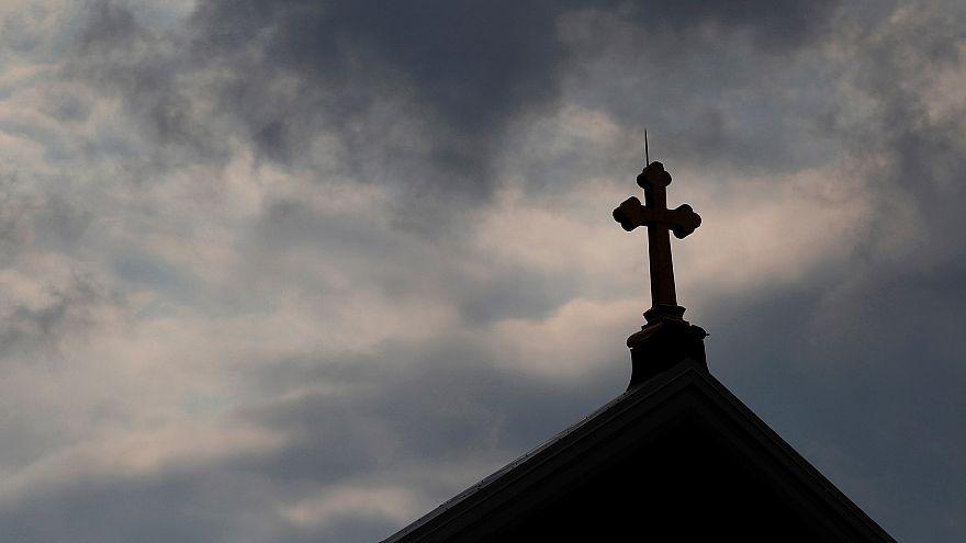 Avrupa ve ABD'de ateistlerin oranı artıyor