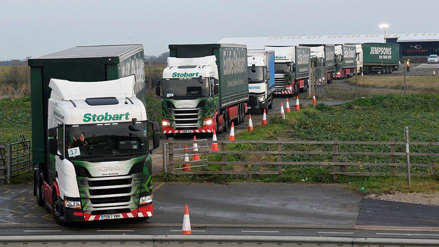 UK creates fake traffic jam of 89 lorries to test no-deal readiness