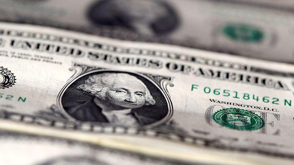 هبوط الاحتياطيات الأجنبية لمصر للمرة الأولى منذ تحرير سعر الصرف