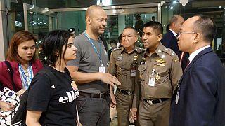 دیدار رهف محمد القنون، دختر پناهجوی سعودی با مقامهای سازمان ملل در تایلند