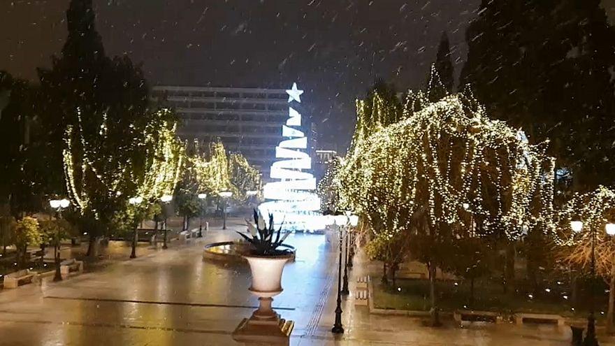Atenas bajo la nieve, el Olimpo se hiela