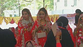 شاهد: زواج جماعي لهنديات يتيمات