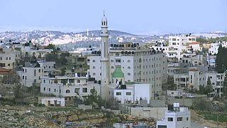 إسرائيل تعتقل شابا فلسطينيا تتهمه بقتل جنديين الشهر الماضي