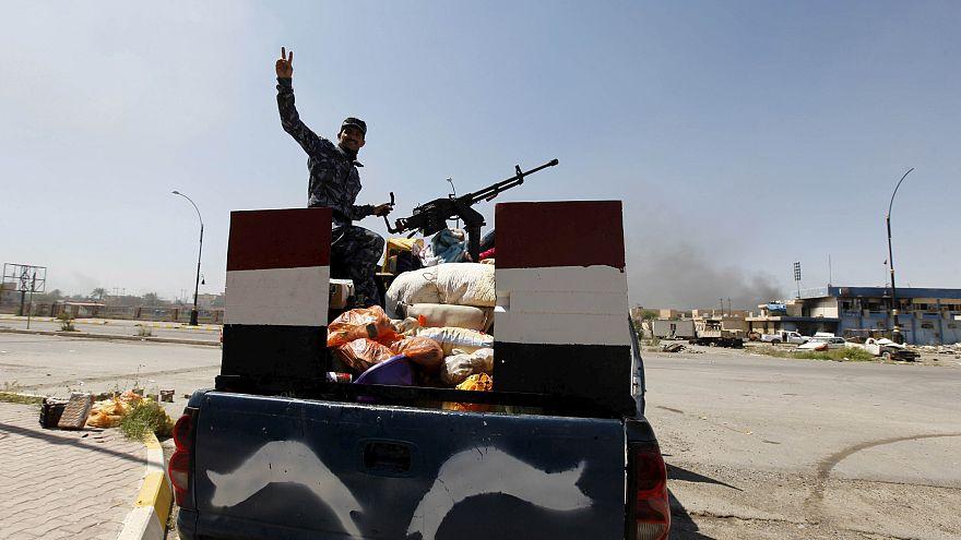 مقتل شرطيين عراقيين في انفجار سيارة ملغومة في تكريت
