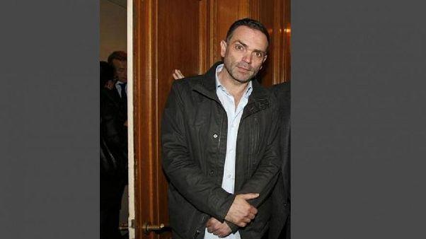 كاتب فرنسي يشعل الجدل بتصريحه أنه يفضل مواعدة من هن في نصف عمره