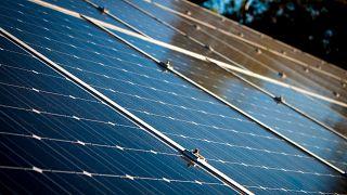 ائتلاف تجاري تقوده السعودية يجمع ملياري دولار لمشروع للطاقة الشمسية بدبي