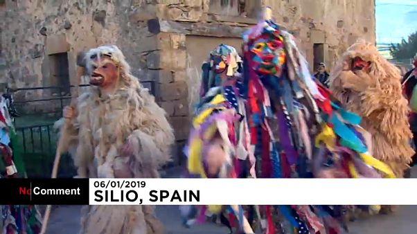 شاهد: كرنفال لافيجانيرا الإسباني أول مهرجانات أوروبا السنوية