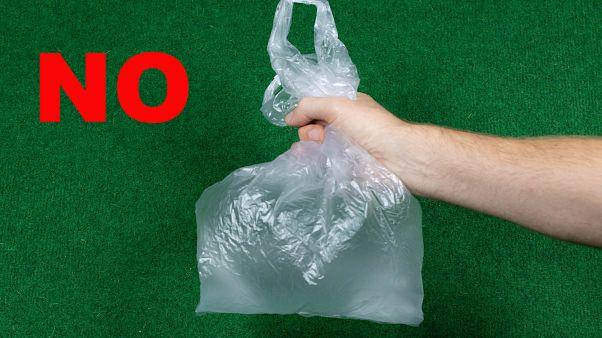 Plastik poşetler Türkiye'de paralı oldu, Avusturya tamamen yasaklamaya hazırlanıyor