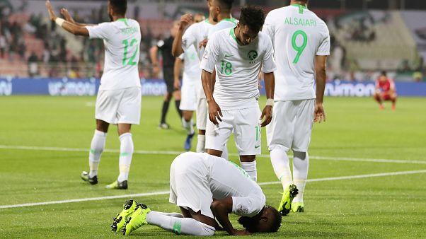 السعودية تسحق كوريا الشمالية برباعية في أولى مبارياتها بكأس آسيا
