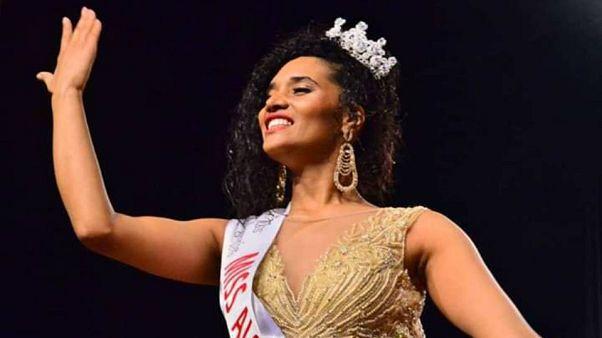ملكة جمال الجزائر 2019 تواجه تنمرا وعنصرية بسبب لون بشرتها