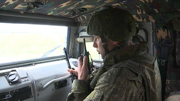 L'esercito russo al confine tra la Turchia e la Siria