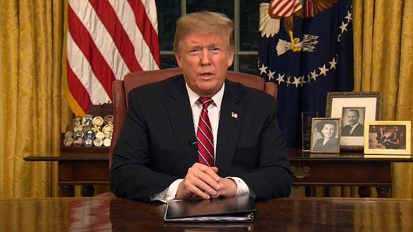 Donald Trump réclame le financement du mur sur un ton solennel