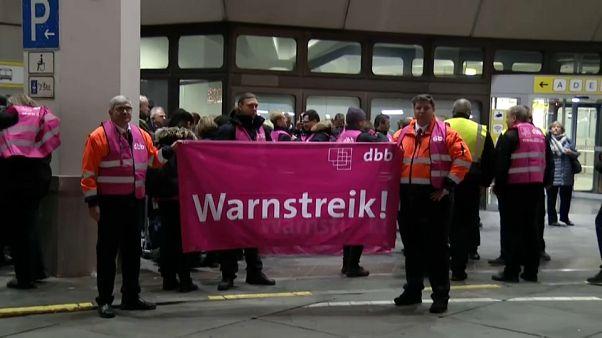 Donnerstag: Warnstreiks an deutschen Flughäfen angekündigt