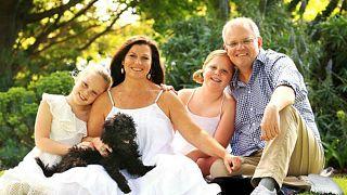 'İki sol ayaklı' Avustralya Başbakanı Morrison: Ayaklarıma değil olmayan saçlarıma odaklanın