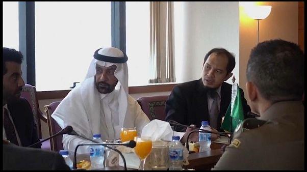 الشابة السعودية رهف القنون ترفض مقابلة والدها في بانكوك