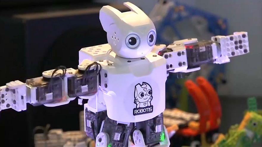Robôs marcam presença na CES
