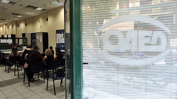 Μειώθηκε η ανεργία στην Ελλάδα αλλά αυξήθηκε στην Κύπρο!