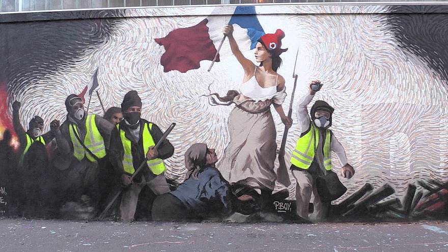 Gilets Jaunes New Paris Mural Shows Lady Liberty Leading Protesters