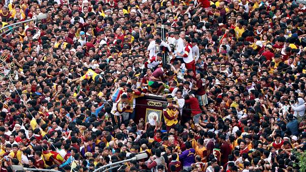 Filipino's turn out en masse for Black Nazarene procession