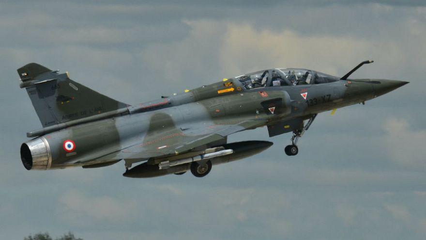 Fransa'nın doğu bölgesi Jura'da savaş uçağı radarlardan kayboldu