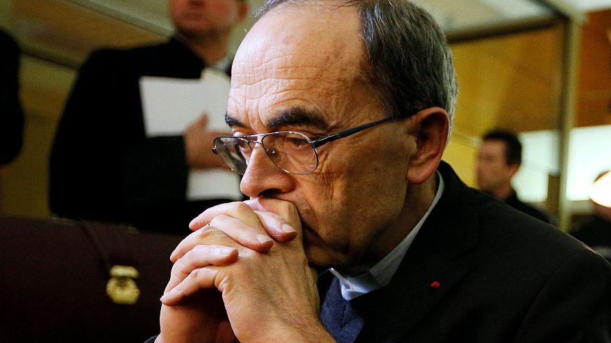 Pedofilia, terzo giorno a processo per l'ex arcivescovo di Lione