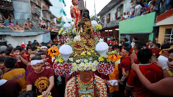 A la espera del milagro del 'Nazareno negro' en Filipinas