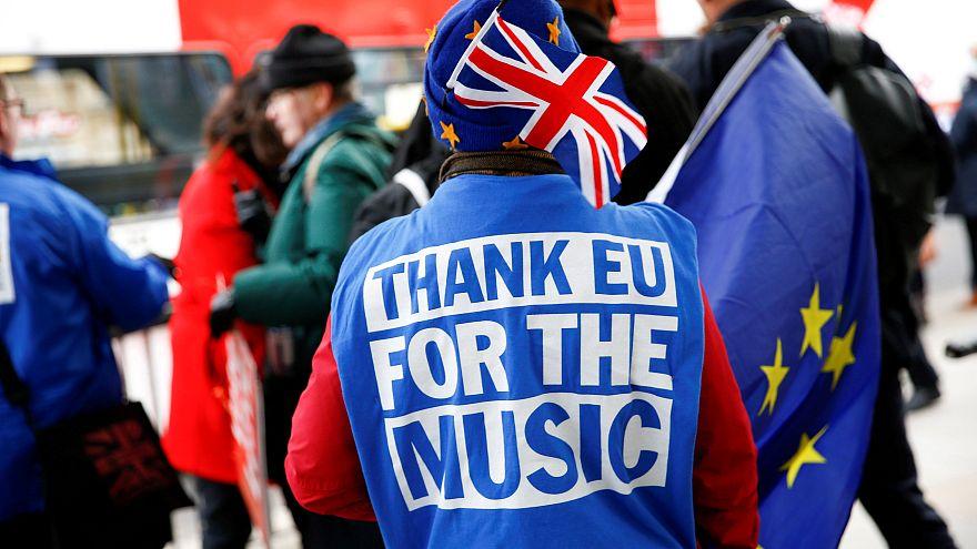 Brexit: Unterhaus gibt Regierung nur 3 Tage für Plan B