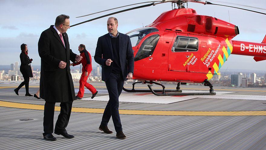 شاهد: الأمير البريطاني وليام يتنقل بمروحية لمواكبة احتفال