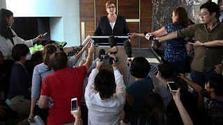 وزيرة خارجية أستراليا تصل لتايلاند لبحث طلب لجوء فتاة سعودية ولاعب كرة قدم بحريني