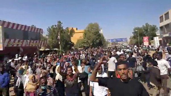 Sudan'da hükümet karşıtı gösterilerde ölü sayısı artıyor