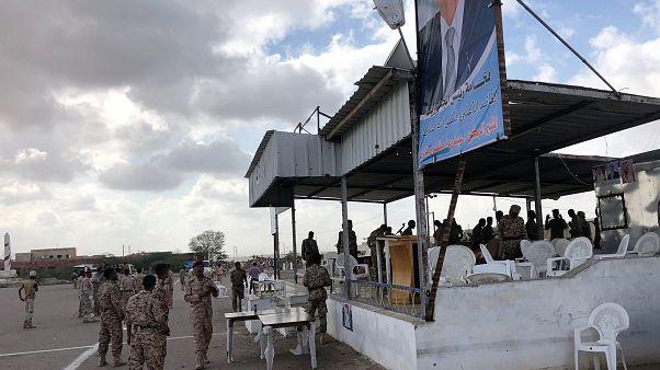 طائرات مسيرة للحوثيين تهاجم عرضا عسكريا للجيش اليمني في محافظة لحج وسقوط قتلى