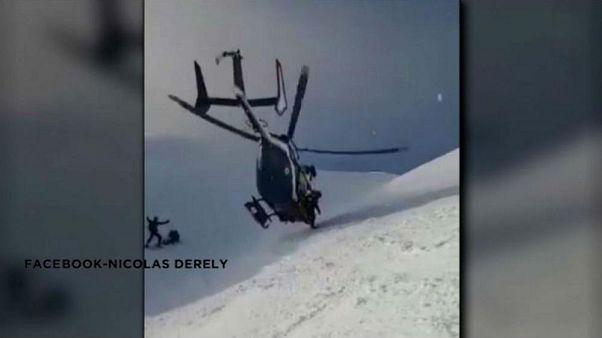 Elképesztő helikopteres mentés az Alpokban