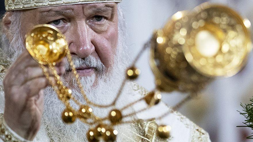 رهبر کلیسای روسیه: موبایل راه آمدن دجال را صاف میکند