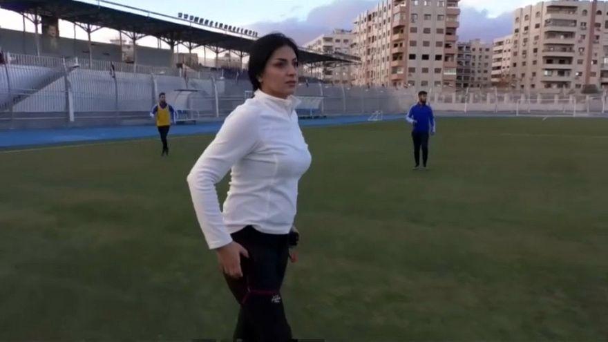 Maha Jannoud, la donna siriana che allena i calciatori