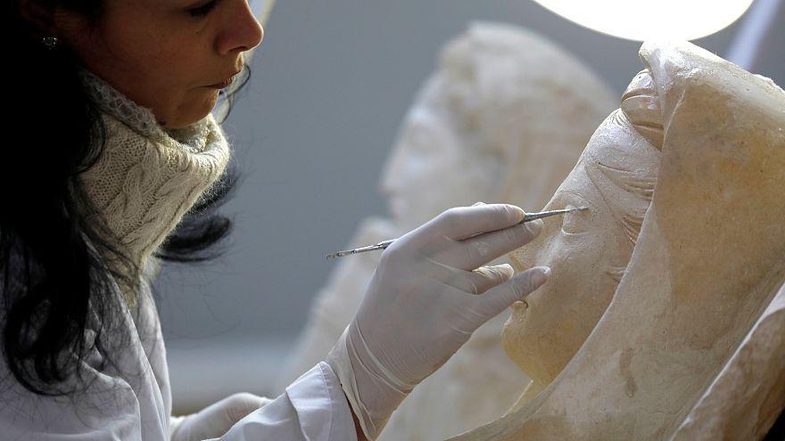 Palmira'da zarar gören eserler arkeologların elinde yeniden hayat buluyor