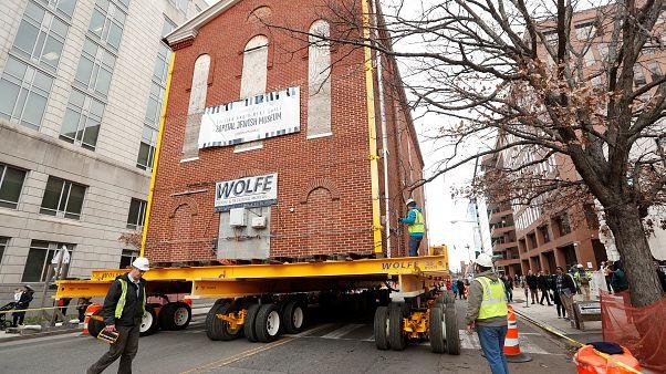 Video | Washington'un en büyük sinagogu vinçle başka bir sokağa taşındı