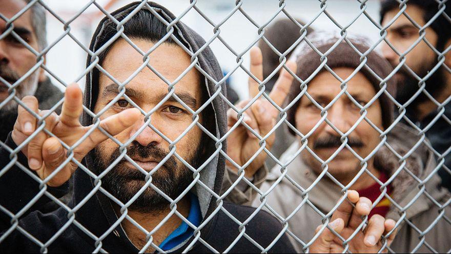 Új menekülttáborokat létesítenek Görögország szárazföldi részén