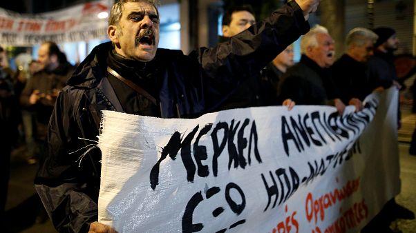 Επίσκεψη Μέρκελ: Επεισόδια και χημικά στο κέντρο της Αθήνας