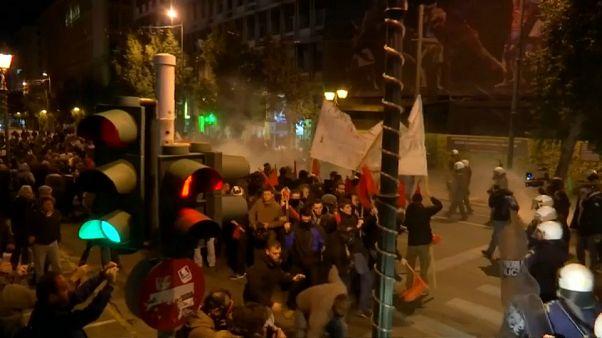 مظاهرات عنيفة في اليونان احتجاجا على زيارة ميركل