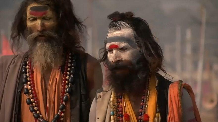 شاهد: تقاليد الهندوس في الحج عند الأنهار المقدسة