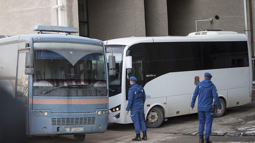 'Ankesörlü telefon' operasyonu: 100'den fazla askere gözaltı kararı