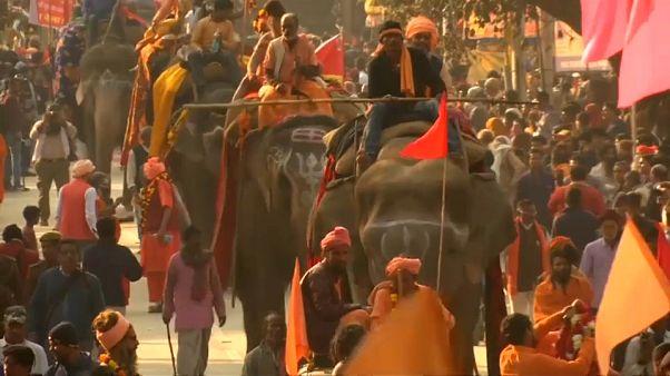 Hindistan'da din ayrıcalıklı vatandaşlık tasarısına tepkiler artıyor