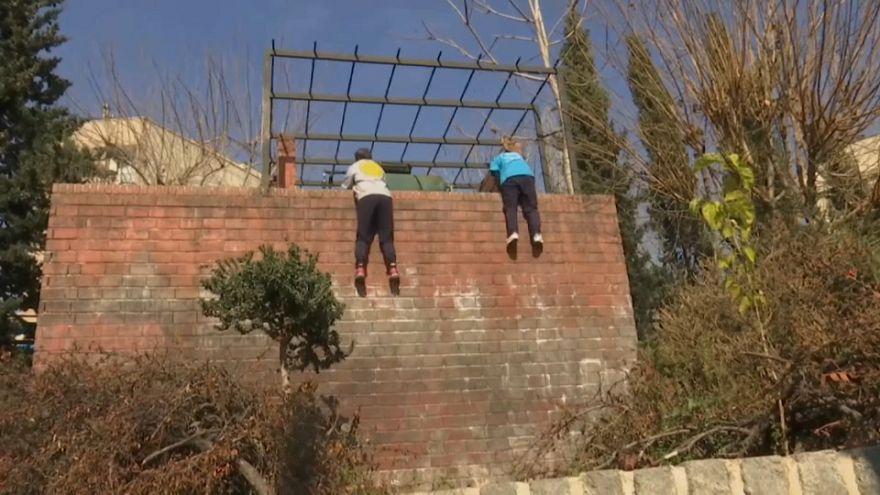 دختران پارکورکار تهرانی از دیوار بلند محدودیتها میپرند